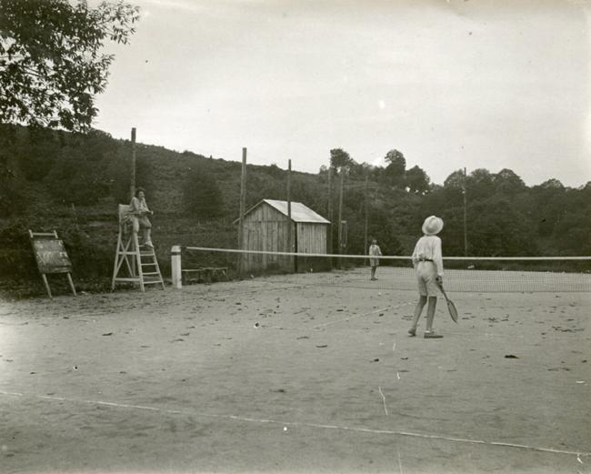 Tennis 1930 08 a